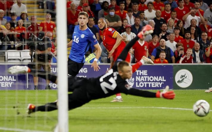 Karl Jakob Hein tõrjus kõik, mis võimalik ja hoidis Walesi staarid nullil.