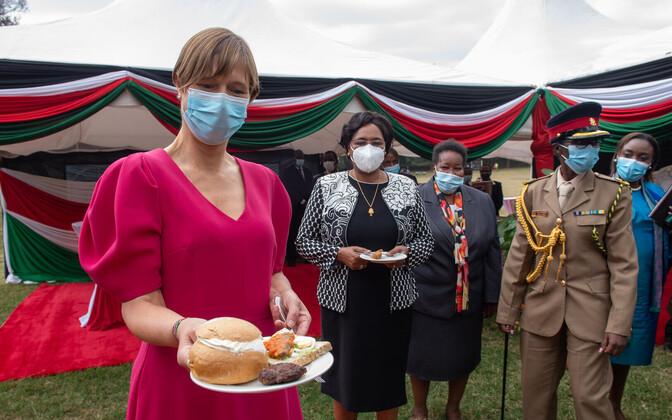 Керсти Кальюлайд в Кении.