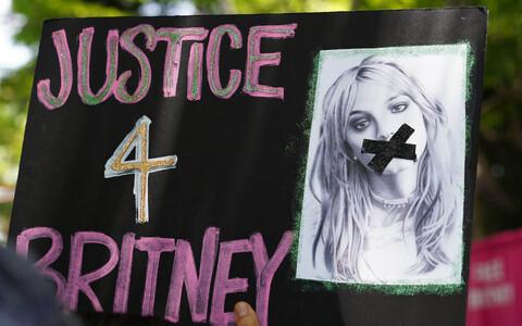 Los Angeleses korraldati laulja toetuseks ka protest