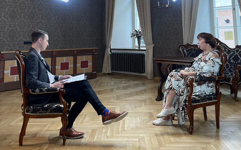 Mailis Reps being interviewed by host Taavi Eilat.