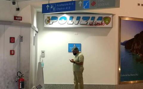Полицейский участок в аэропорту Сардинии, в котором содержится Карлес Пучдемон.