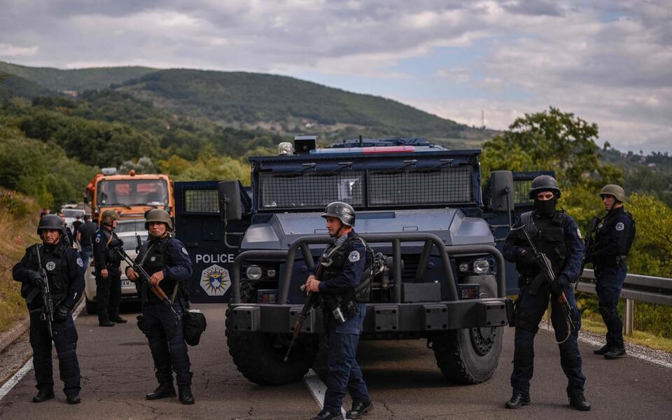 Спецподразделение косовской полиции на границе с Сербией.