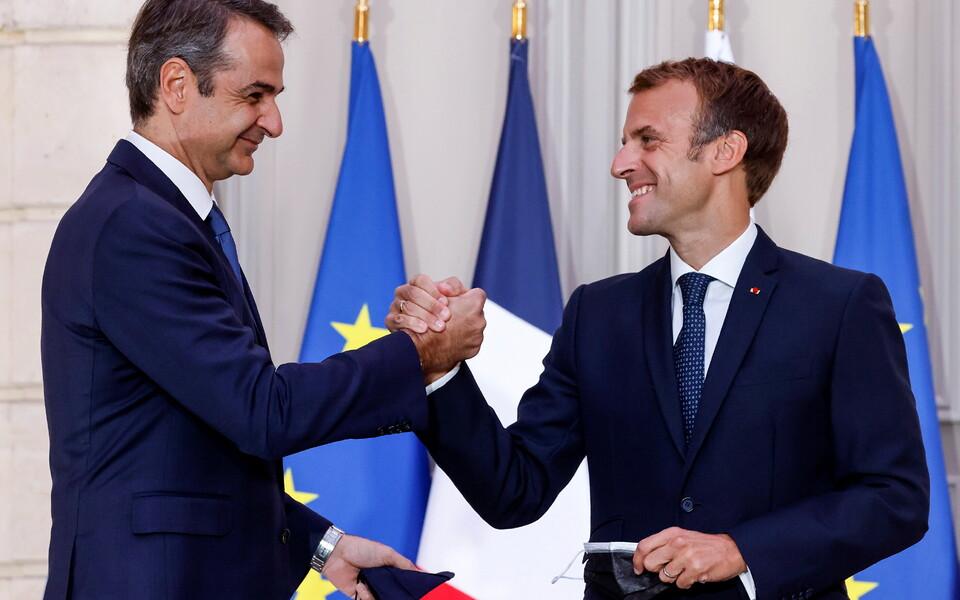 Премьер-министр Греции Кириакос Мицотакис и президент Франции Эмманюэль Макрон.
