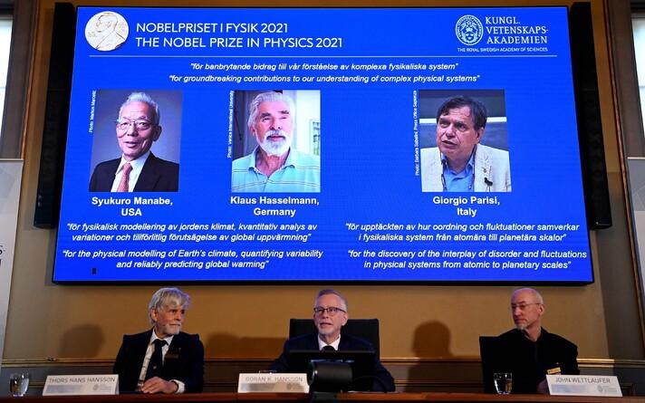 Лауреаты Нобелевской премии по физике Джорджио Паризи, Клаус Хассельман и Сюкуро Манабе/