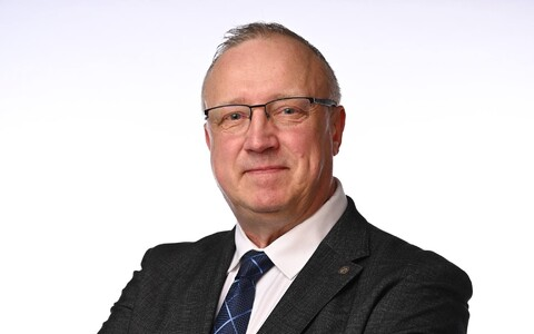 В Таллиннском горсобрании нынешнего созыва Март Каллас возглавляет фракцию EKRE.