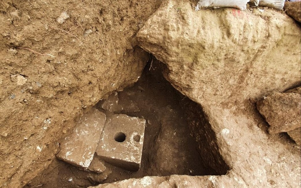 Muistne tulaettpott tuli välja ristkülikukujulisest ruumist, mis võis omal ajal olla vannituba.