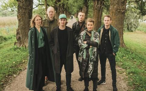 Renate Keerd koos Tartu Uue Teatri trupiga