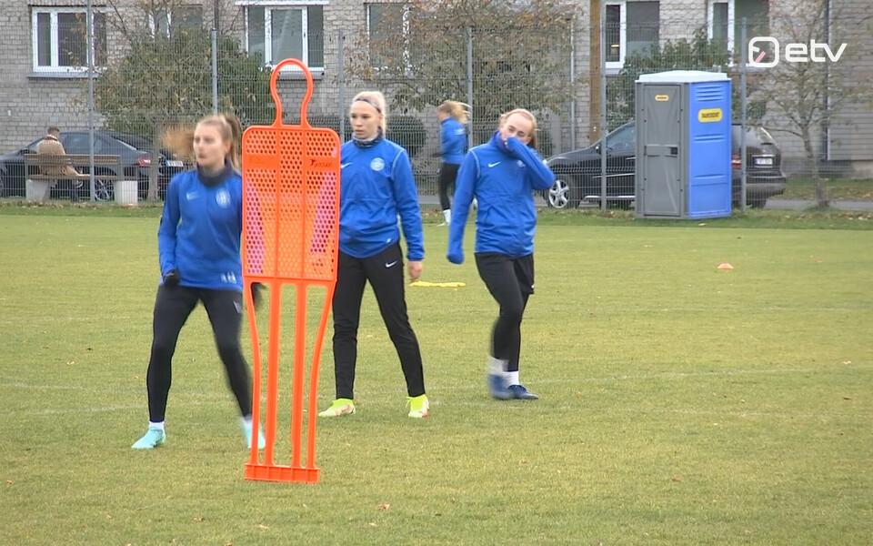 Eesti naiste jalgpallikoondis treeningul