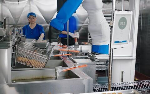 Robotkokk Flippy rent maksab kuus ligikaudu 3000 dollarit.