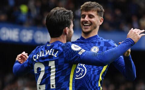 Chelsea väravalööjad Ben Chillwell (vasakul) ja Mason Mount (paremal)